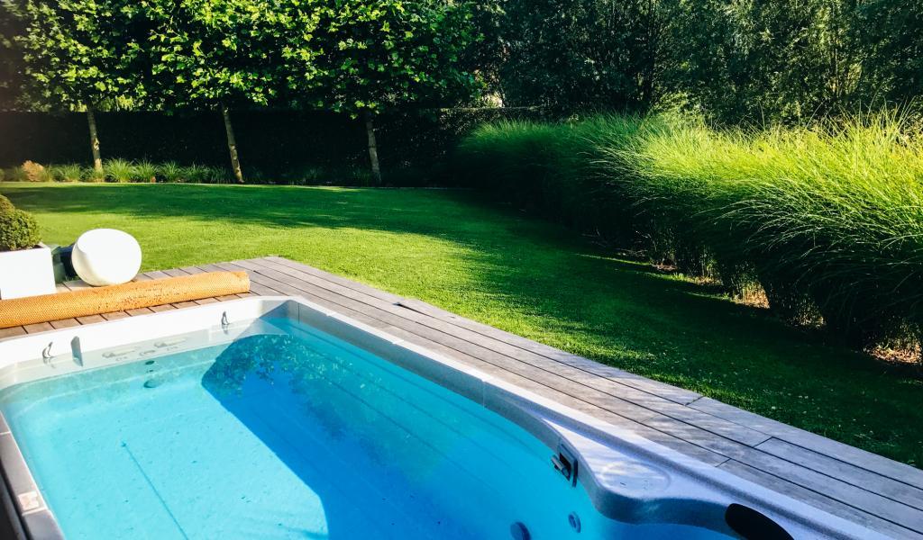 tuinen met zwembad